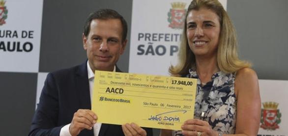 João Doria doa salario de prefeito para a instituição AACD