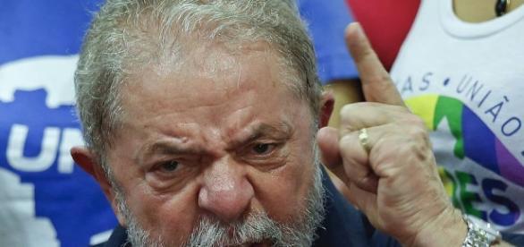 Lula esbraveja contra a direita brasileira