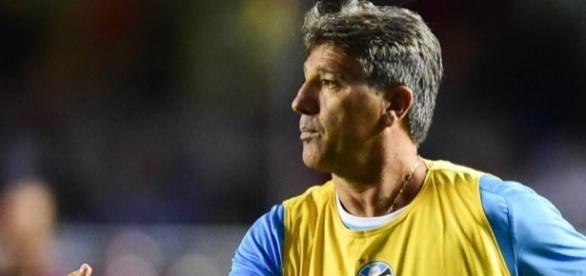 Renato não acompanha o time em Brasília