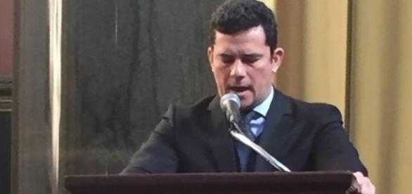 Sergio Moro palestrando nos EUA (Foto: Reprodução TVGlobo)