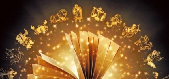 Was taugen persönliche Horoskope zum Verschenken? [Foto Blasting News]