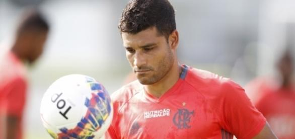 Ederson se recupera de lesão e pode ser inscrito no Carioca - torcedores.com