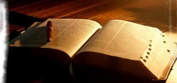 Estudando a bíblia - Conhecer a Deus verdadeiramente! - com.br