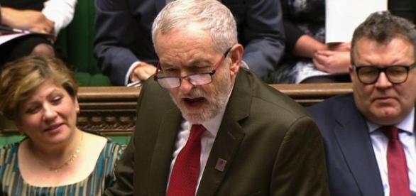 Jeremy Corbyn makes embarrassing PMQs gaffe by offering ... - thesun.co.uk