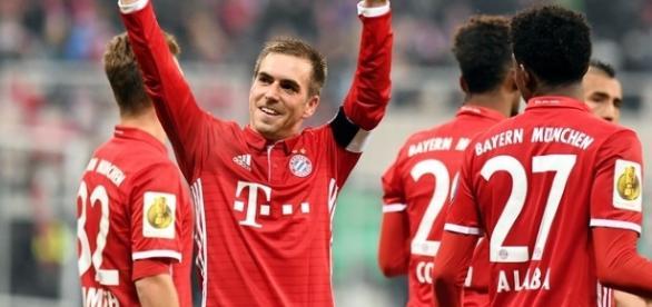 Jogador completou 500 jogos pelo Bayern no sábado