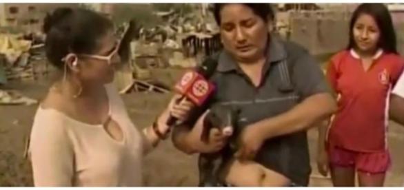 Mulher começou dando o peito para o animal