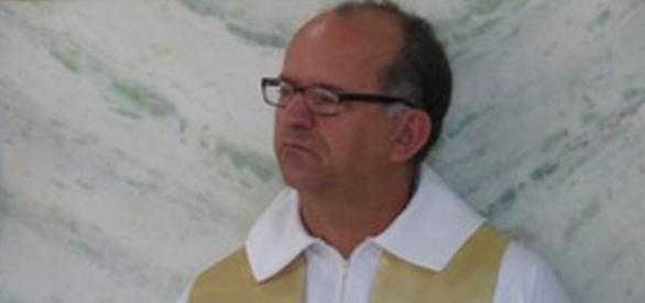 Clever Geraldo de Souza teria chegado ao motel acompanhado de um homem (Foto: Diocese de Divinópolis/Divulgação)