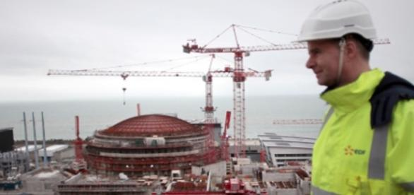 Acidente aconteceu próximo ao reator 1. Atualmente, a França está construindo um terceiro reator na área (The Local)