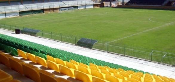 Los Larios, palco de Fluminense e Bangu no domingo, pelo Carioca (Foto: Templos do Futebol)