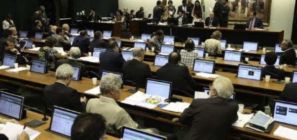 Deputados querem mudar pontos cruciais da Reforma da Previdência
