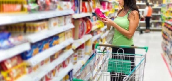 El índice de confianza del consumidor baja por cuarto mes ... - capitalradio.es