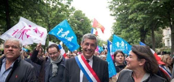 Henri Guaino - Manif Pour Tous - 2012 CC BY