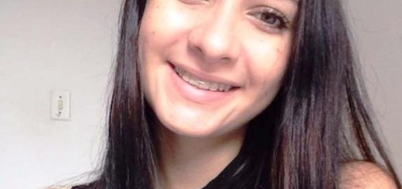 Liliane, a jovem desaparecida (Foto: Reprodução/Facebook)