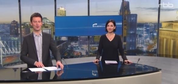 Unangemessen? Die Journalisten Sascha Hingst und Nadya Luer begrüßen fröhlich die Zuschauer / Foto: RBB