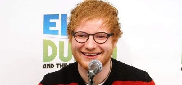 Ed Sheeran diz que tirou um ano de folga porque seus fãs precisavam de uma pausa dele