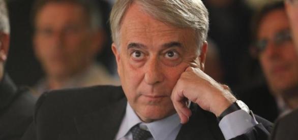 Giuliano Pisapia parla di Campo Progressista e di Primarie PD (Foto: alchetron.com)