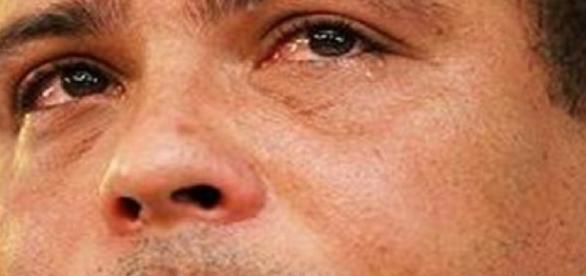 Ronaldo tem luz e gás cortados