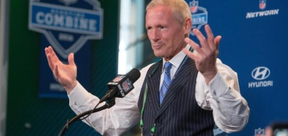 Which draft QB should sit a year, according to NFL Network draft ... - usatoday.com