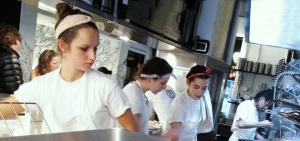 Equipo del restaurante Padella en acción