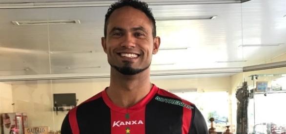 Boa Esporte perde patrocinadores após o anúncio da contratação do ex-goleiro Bruno