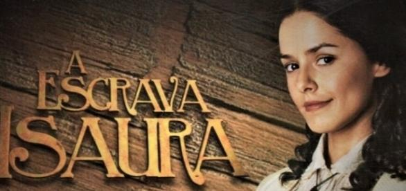 Isaura decide mudar o seu nome e diz para Álvaro que se chama Elvira