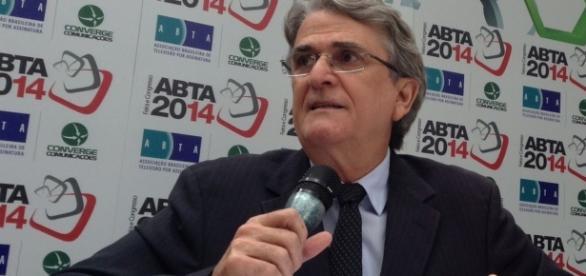Oscar Simões diz que os consumidores não têm condições de arcar com aumento de mensalidade da TV por assinatura