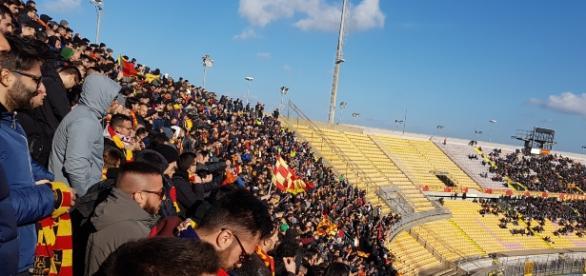 Un'immagine della Curva Nord durante Lecce- Catania.