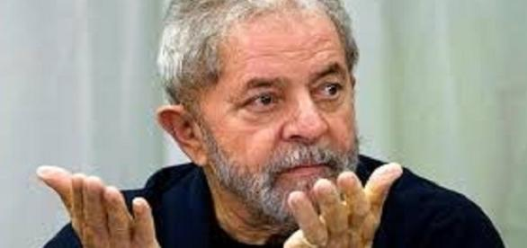 Ex-presidente Luiz Inácio Lula da Silva tem pedido de Habeas Corpus negado.