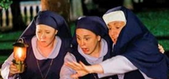 Irmãs e Madre se assustam com bandidos na novela 'Carinha de Anjo'