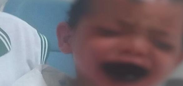 Mulher morre depois de jogar soda cáustica em bebê