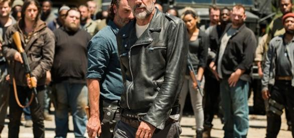 Negan e Rick no quarto episódio da sétima temporada de The Walking Dead