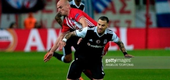 Olympiacos Piraeus v Besiktas Istanbul - UEFA Europa League Round ... - gettyimages.com