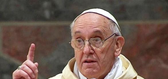 Papa Francisco orienta padres a expulsarem demônios