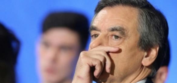 Présidentielle 2017: Mis en examen, François Fillon est-il fini?