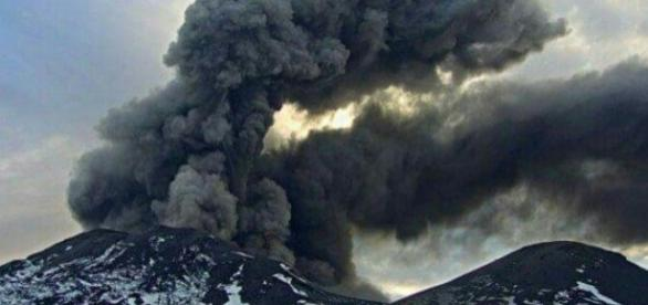 Pulso eruptivo de Nevados de Chillán causou 761 terremotos (Crédito: Twitter/Diego Reyes Hidalgo)