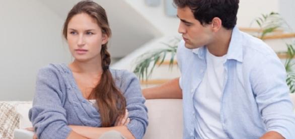 Saiba quais são os hábitos que podem acabar com o relacionamento.
