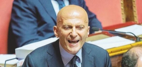 Augusto Minzolini salvato dalla decadenza con i voti del Pd