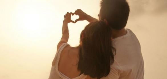 Quando se está apaixonado, tudo na outra pessoa é perfeito e todo momento a dois é um sonho