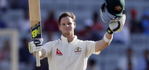 steve smith at ranchi applauding century