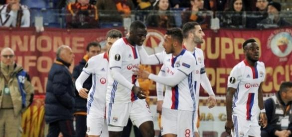 Foot - Mouctar Diakhaby celebrates with Corentin Tolisso during ... - madeinfoot.com