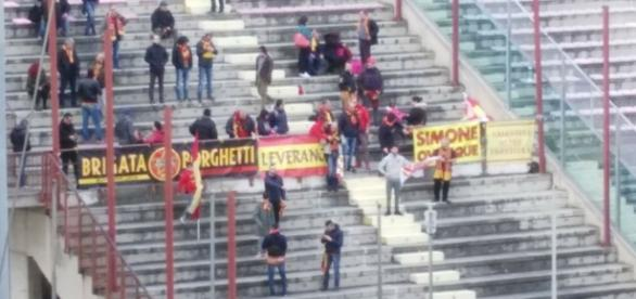 I tifosi salentini pronti a sostenere il Lecce a Foggia.