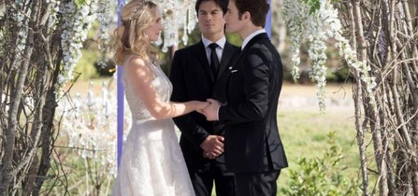 Stefan y Caroline consiguen su esperada boda