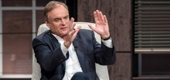 """Unternehmer Georg Kofler in """"Die Höhle der Löwen"""" / Foto: Vox/Bernd-Michael Maurer"""