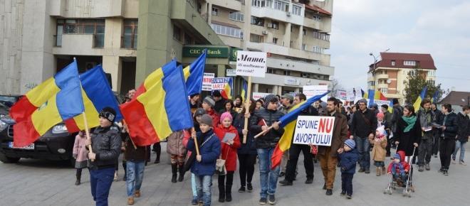 Catastrofa demografică şi viitorul poporului român