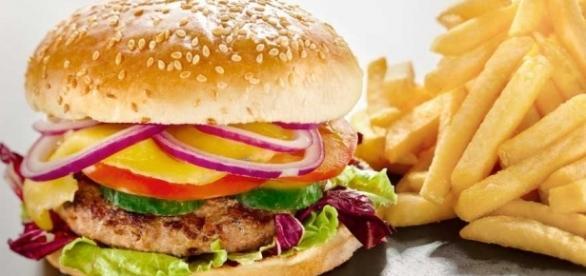Conheça opções para comer de graça em restaurantes