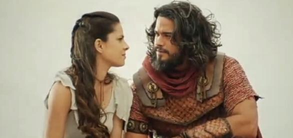 Aruna e Josué na novela 'A Terra Prometida' (Divulgação/Record)