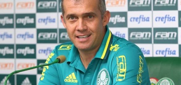 Eduardo Baptista, técnico do Palmeiras