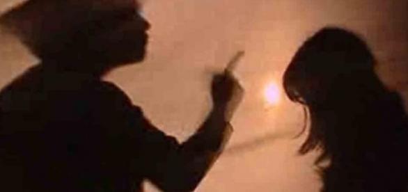 Homem é acusado de tentar atear fogo em mulher e criança