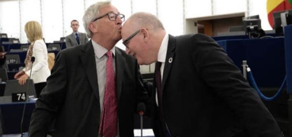 Jean Claude Juncker (po lewej)