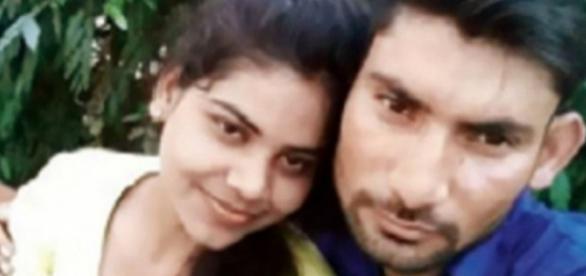 Rachna Sisodia com o marido Devesh Chaudhary
